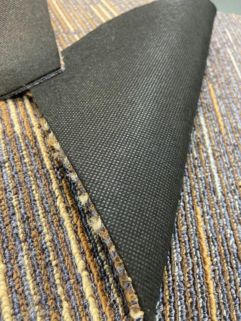 沥青底地毯
