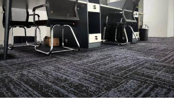 钻石地毯---办公室地毯的6个铺装步骤