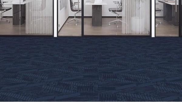 清洁和更换办公室地毯、方块地毯的3个小贴士
