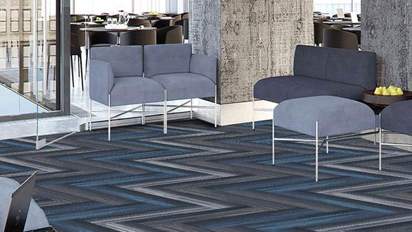 钻石地毯浅析为何安装方块地毯安装是商业办公室的重要选择